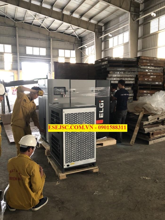 Giao hàng máy nén khí và máy sấy khí ELGI 30KW cho nhà máy