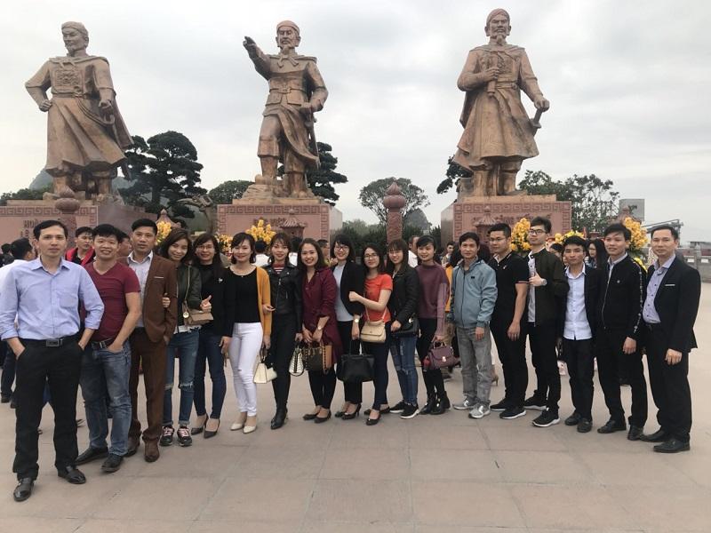 Tập thể công ty ESE du Xuân 2018 tại Khu di tích Bạch Đằng Giang