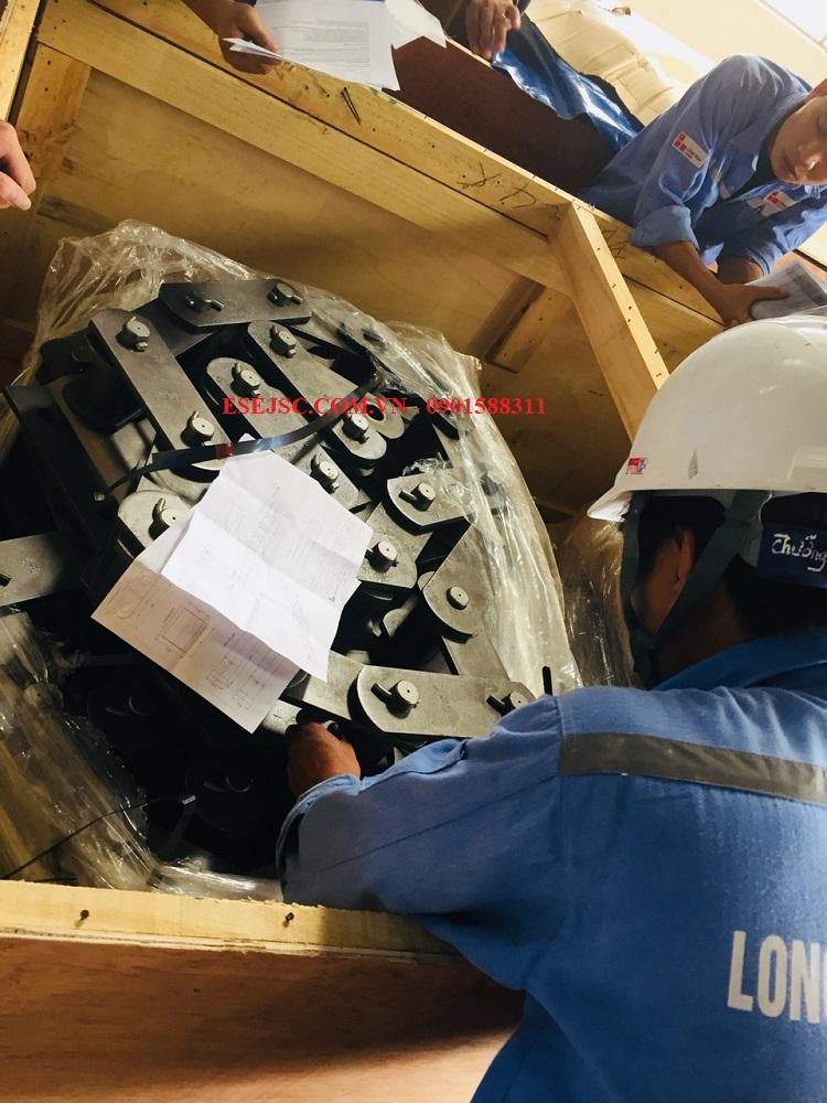 Giao hàng đơn xích gầu nâng Tsubaki tại nhà máy xi măng