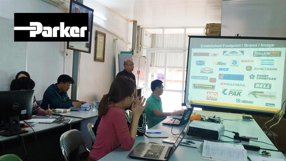 ESEJSC mời chuyên gia PARKER từ SINGAPORE về training sản phẩm